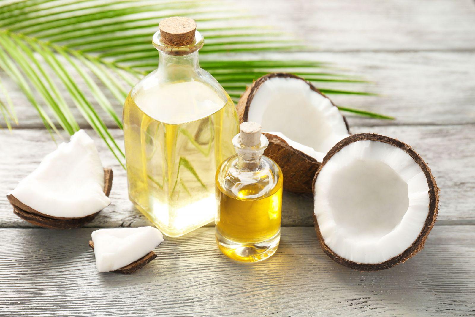 Кокосовое масло для снятия макияжа с лица